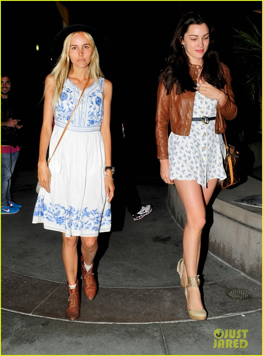 isabel lucas late night movie with a gal pal 03