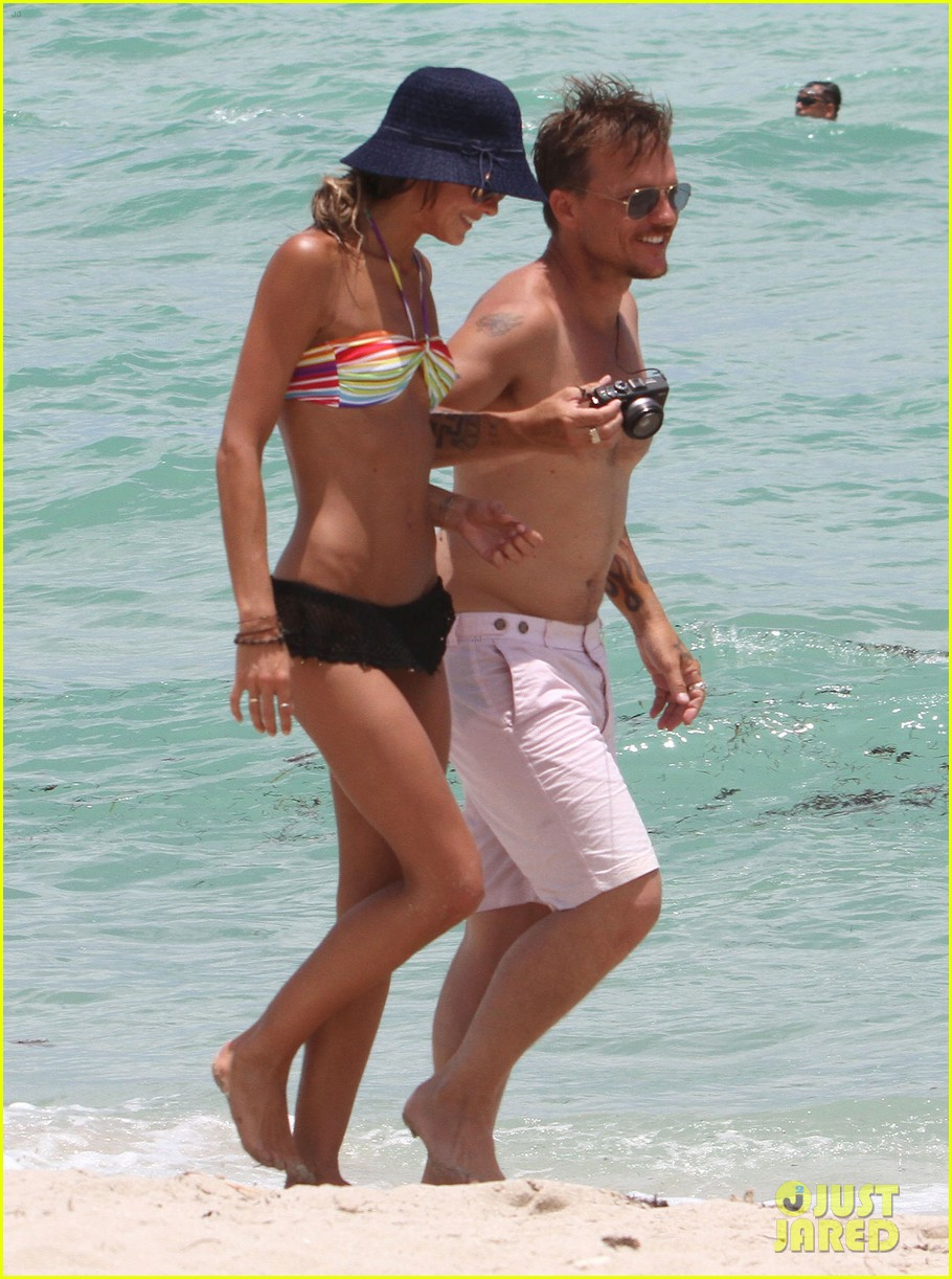 kellan lutz beach day with sharni vinson 222685559