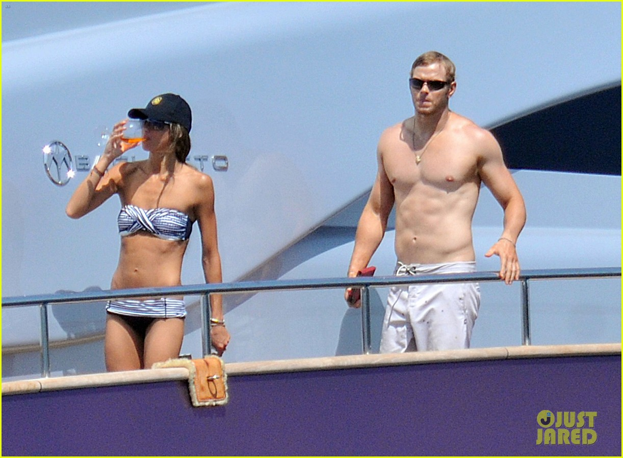 kellan lutz shirtless saint tropez 04