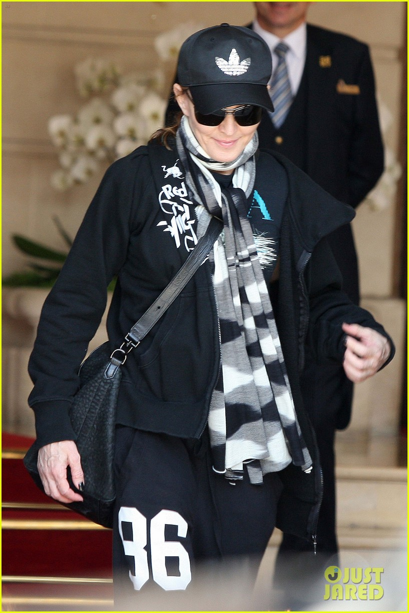 madonna leaving hotel 05