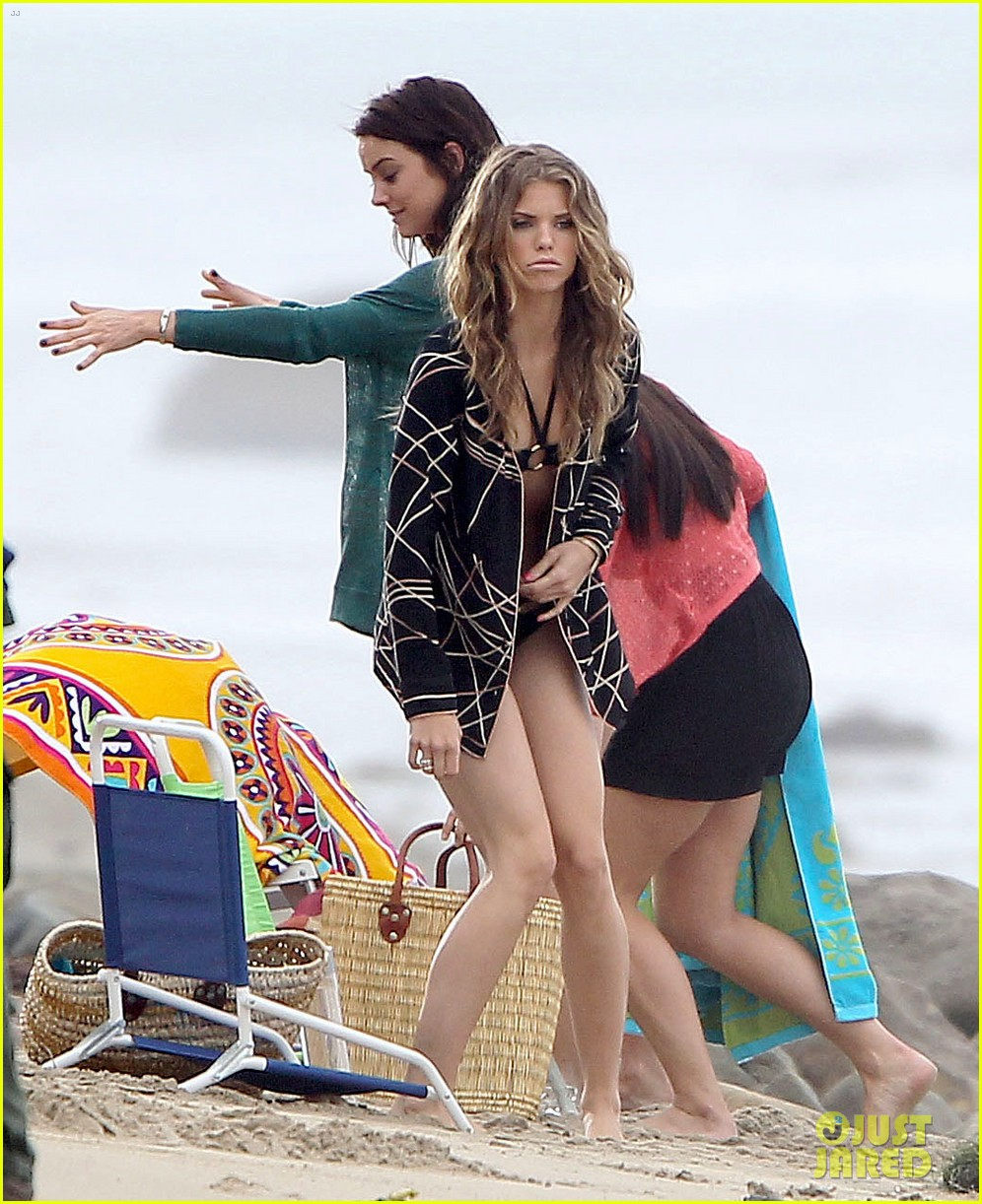 annalynne mccord jessica lowndes 90210 bikini babes 11