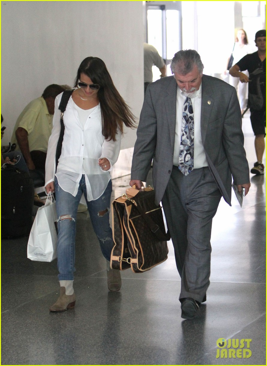 lea michele heads to nyc after glees emmy snub 11