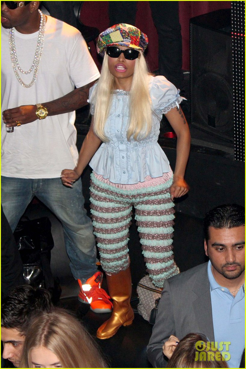 drake and nicki dating 2012