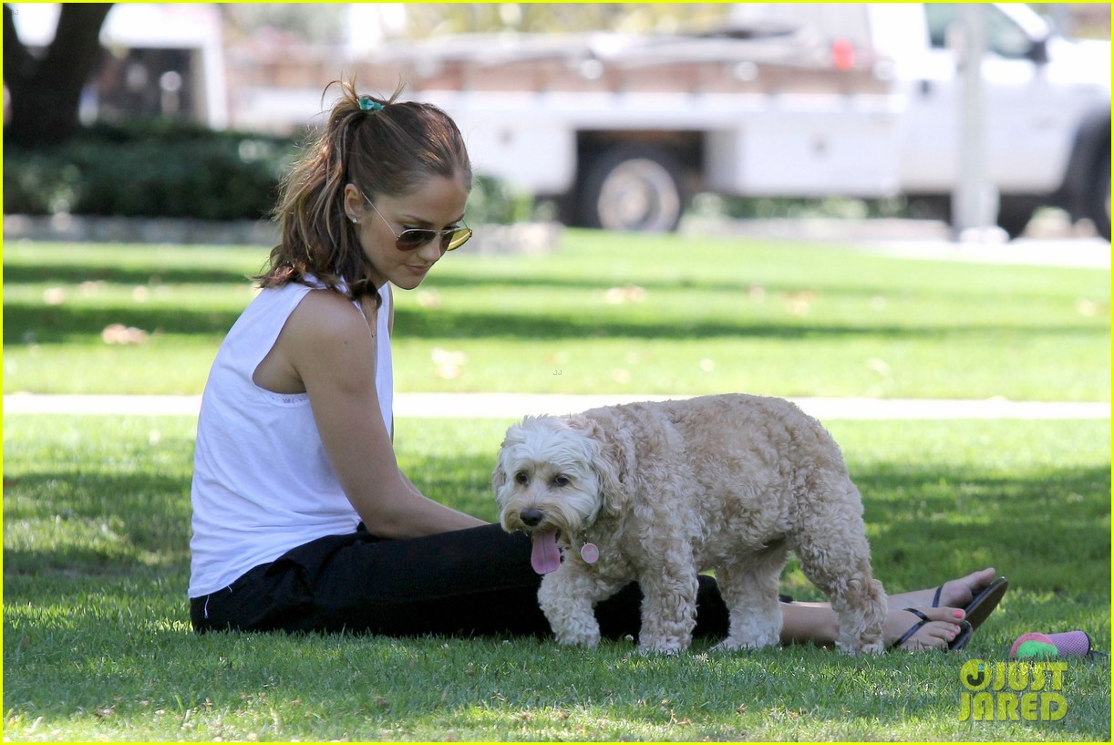 minka kelly chewy playing in the park 062689967