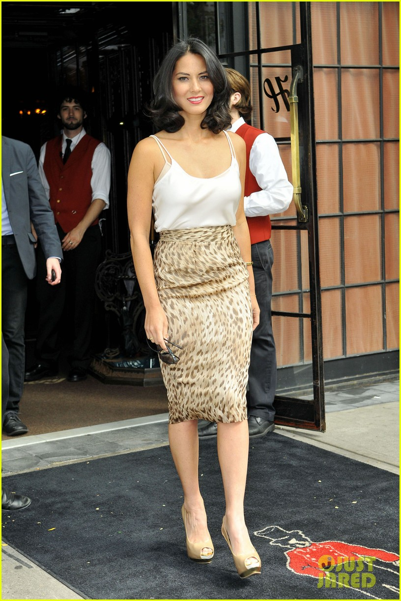olivia munn jimmy fallon appearance 03