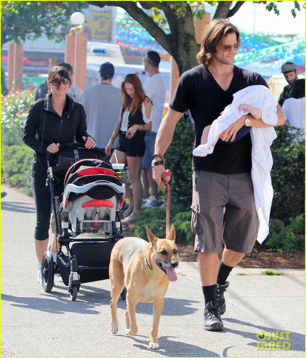 jared padalecki food festival with genevieve thomas 412694186