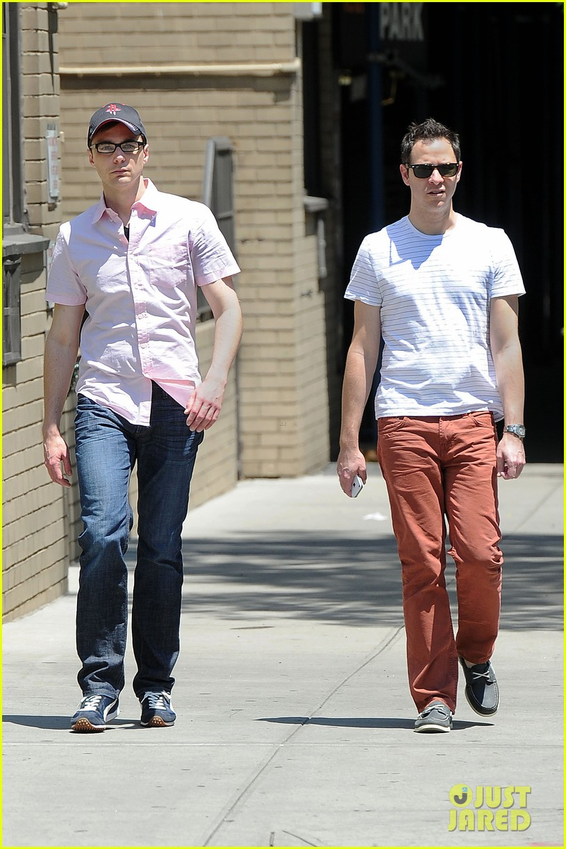 jim parsons lunch with pals 05