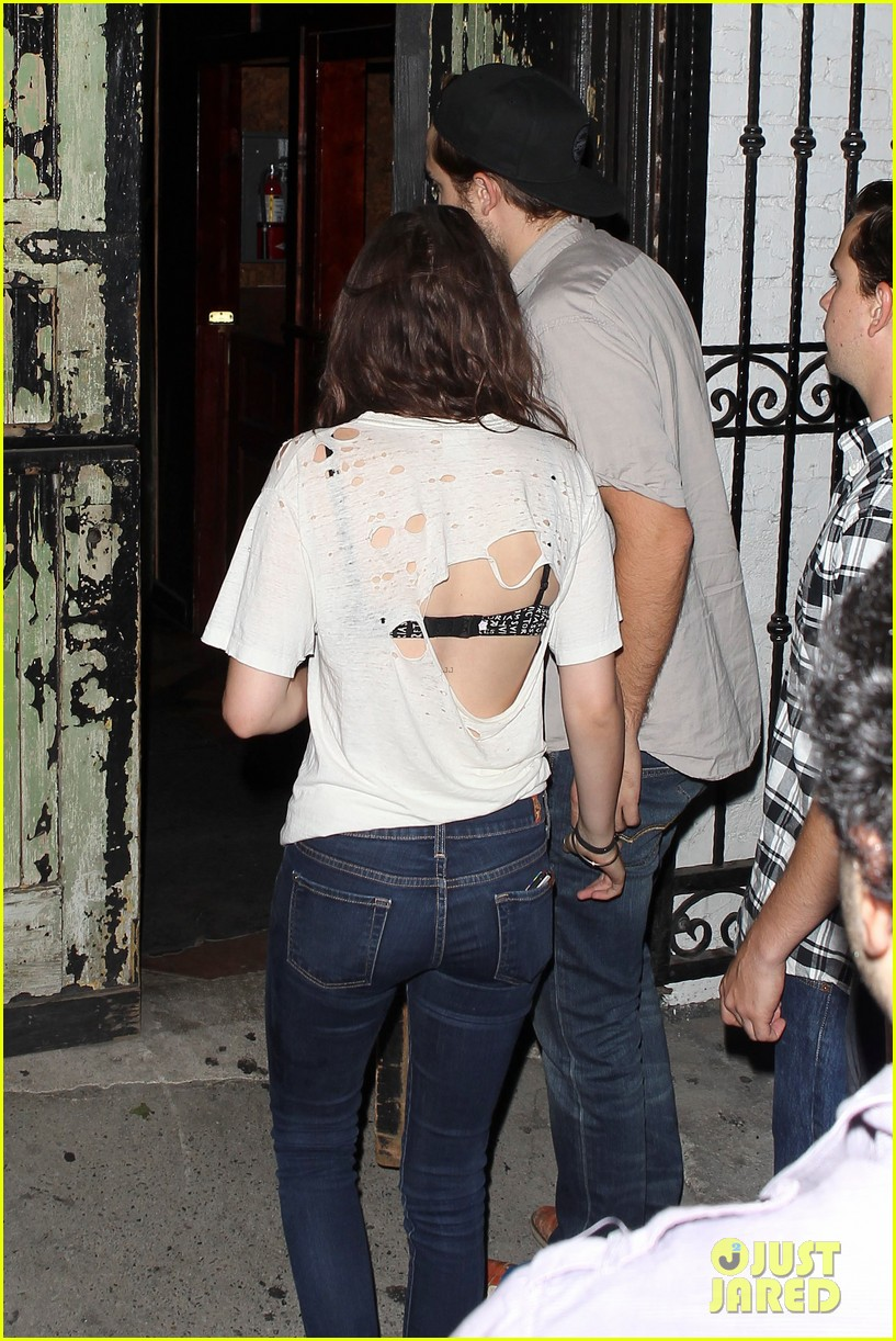 robert pattinson kristen stewart hotel cafe couple 22