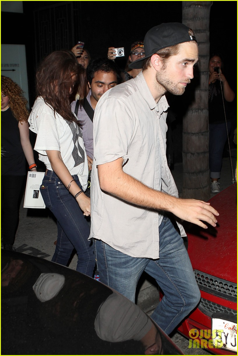 robert pattinson kristen stewart hotel cafe couple 28