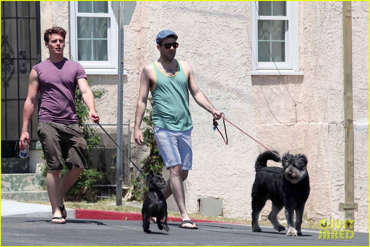 zachary quinto walking dogs 01