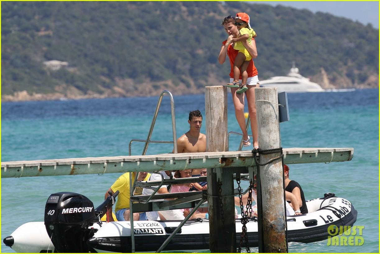 cristiano ronaldo irina shayk bangin beach bods 35