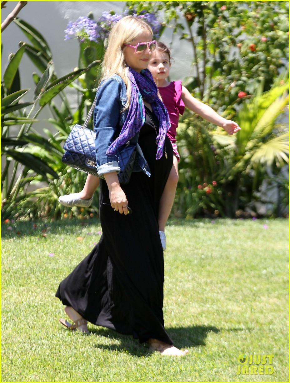 sarah michelle gellar pregnant stroll with charlotte 062681590