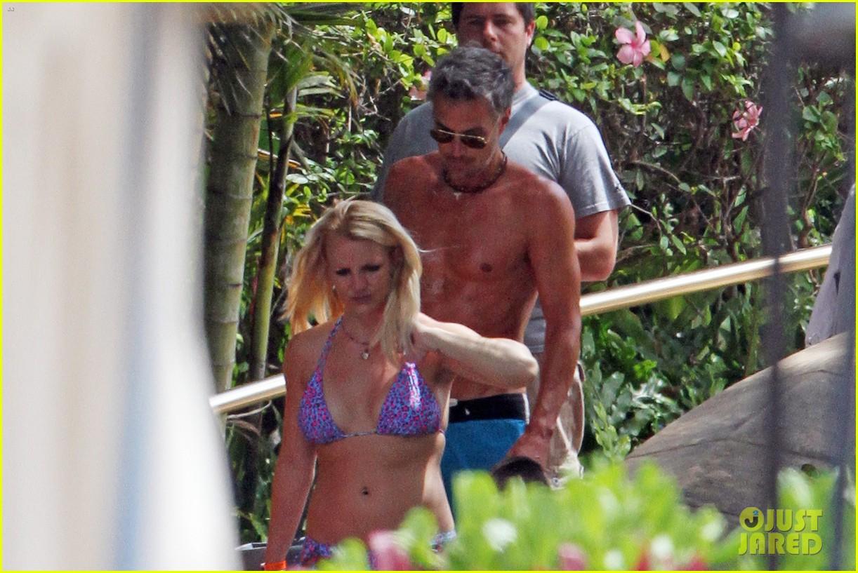britney spears bikini hawaii 01