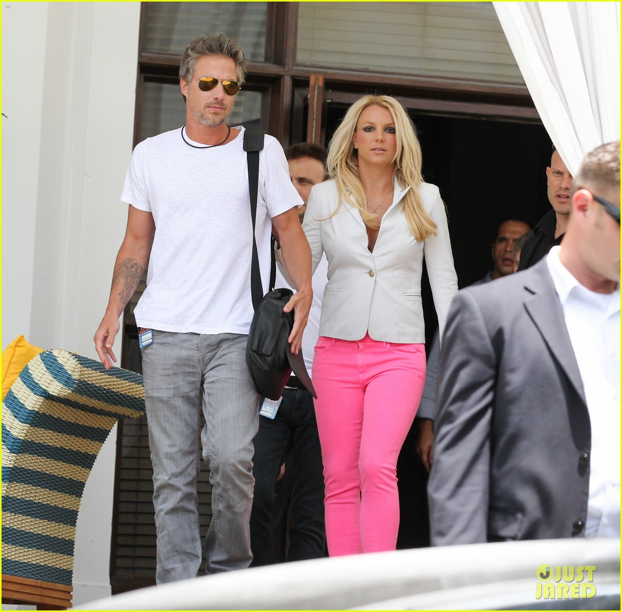 britney spears hot pink skinny jeans 04