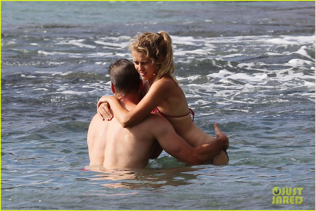teresa palmer scott speedman hawaiian beach babes 03