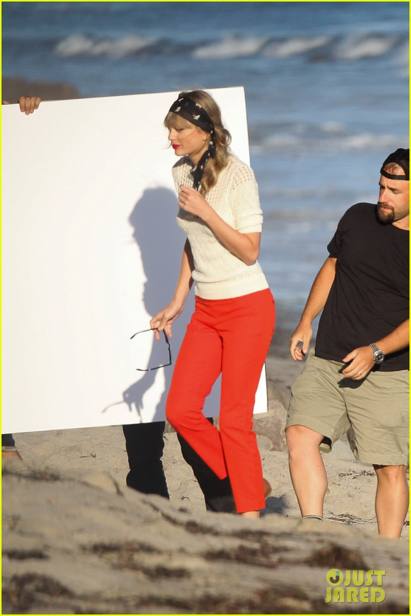 taylor swift beach photo shoot 062691756