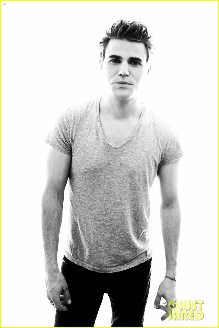 vampire diaries cast portraits at comic con 012689198