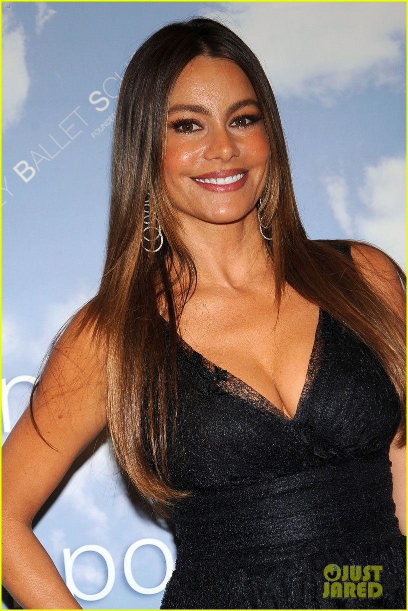 sofia vergara joffrey ballet school launch 07