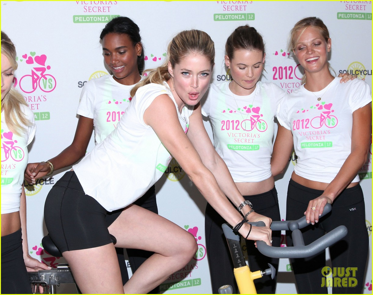 victorias secret angels soulcycle for cancer research 14