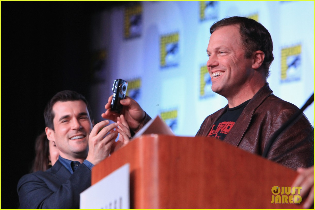 firefly cast reunion at comic con 092686975
