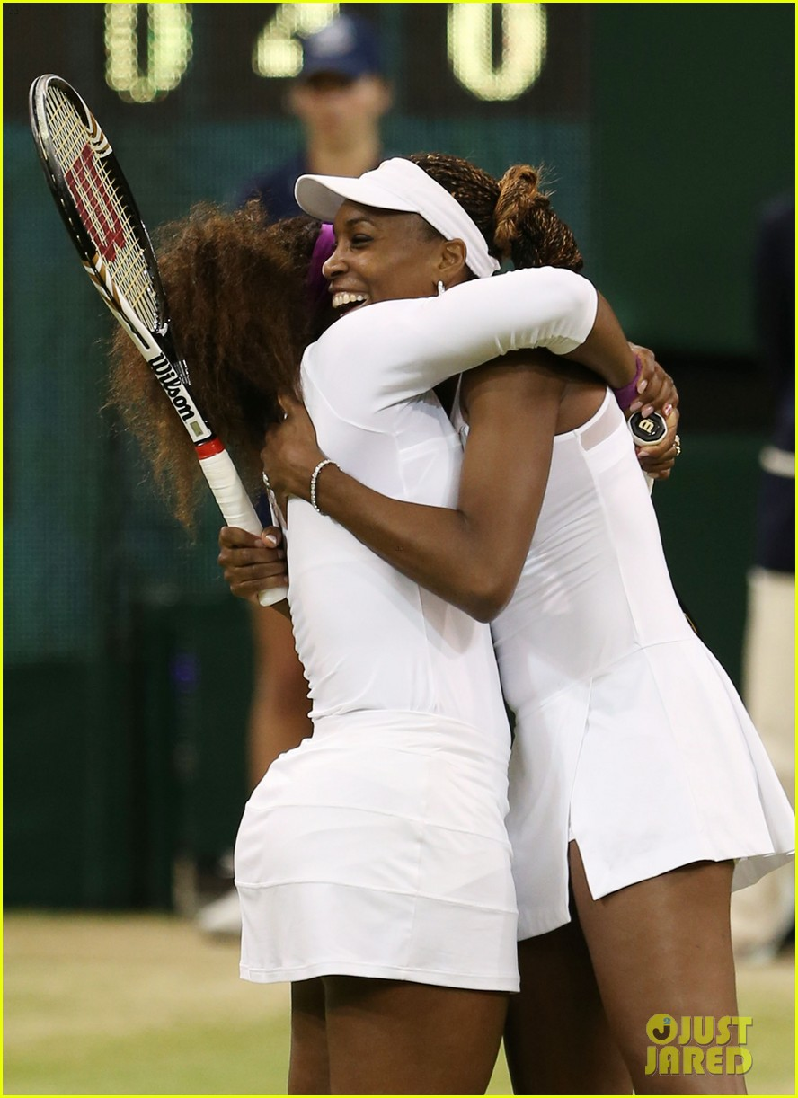 venus serena williams win wimbledon doubles crown 02