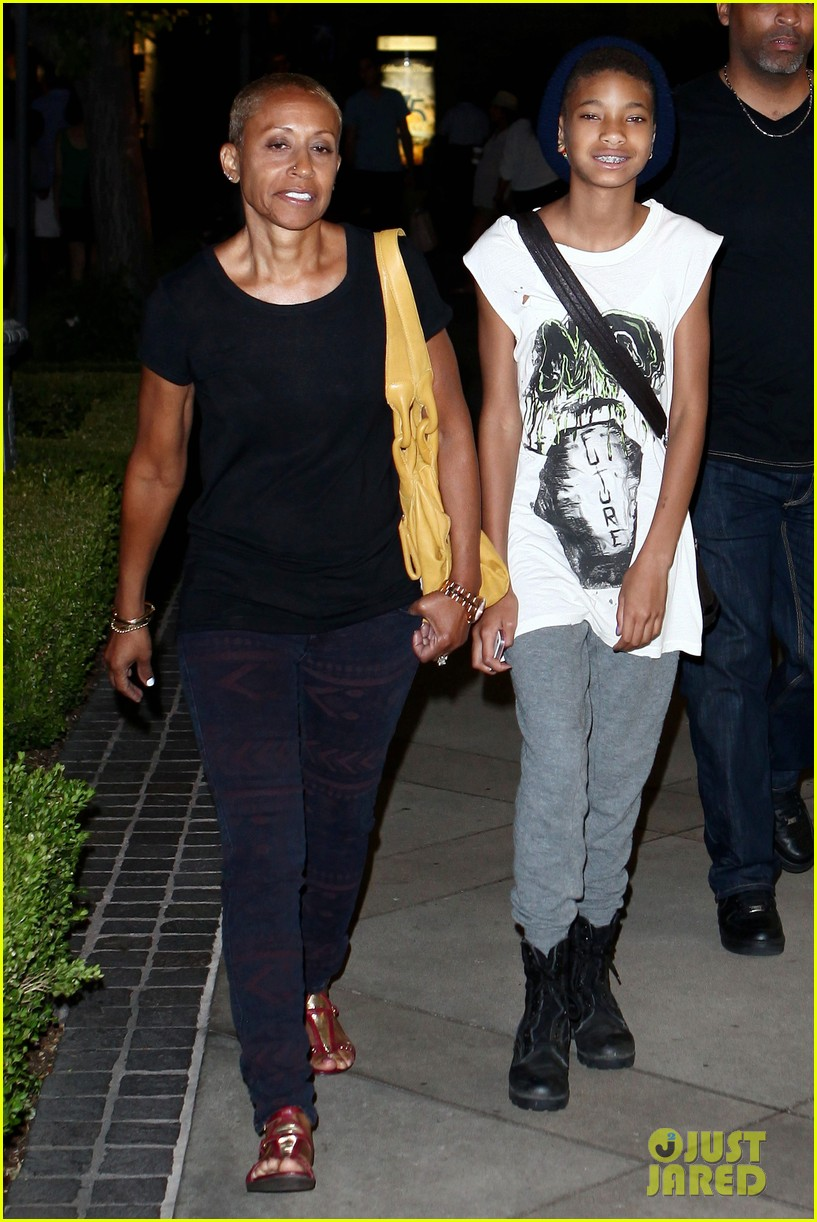 willow smith evening with grandma 06