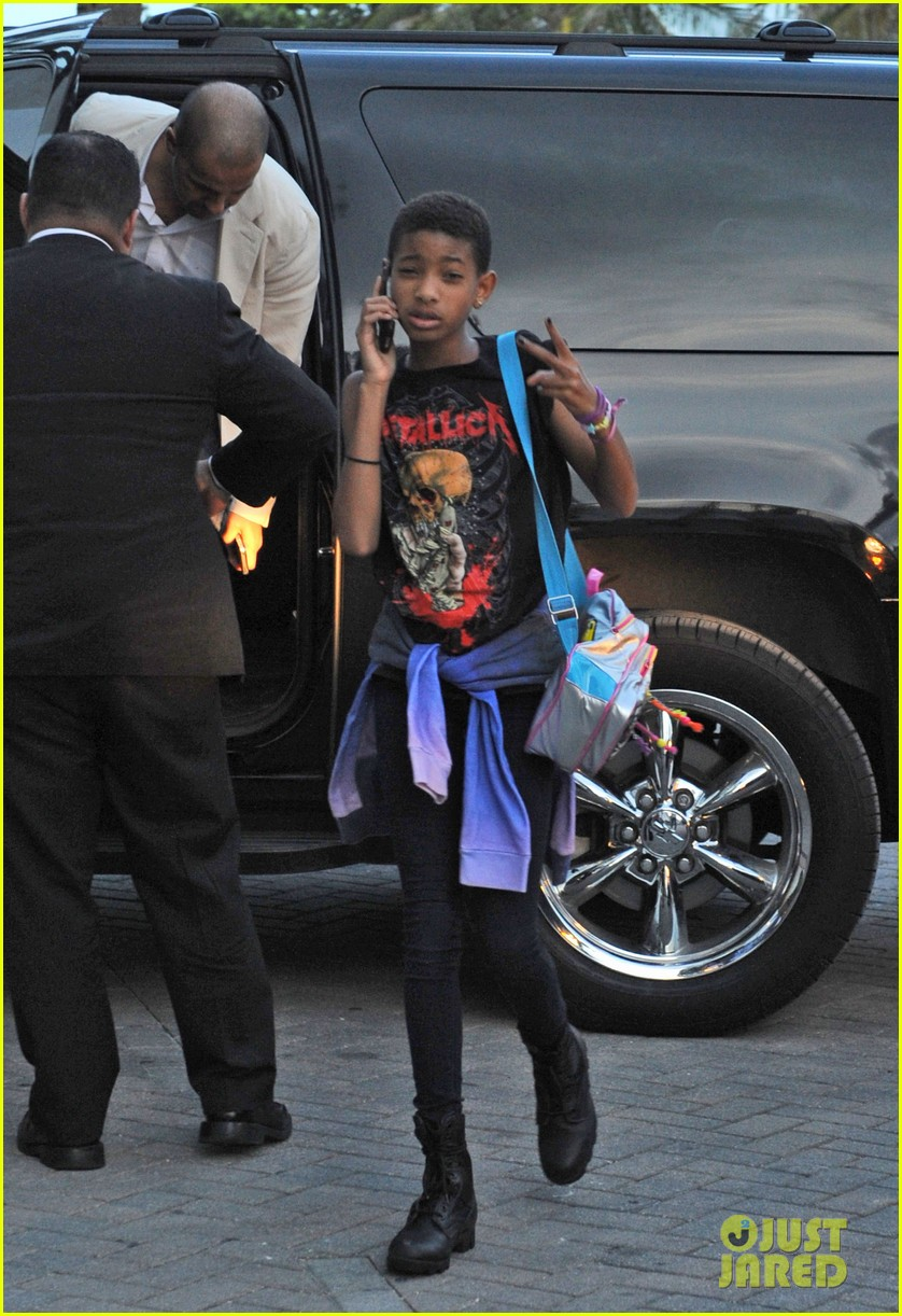 willow smith day out mom jada 02
