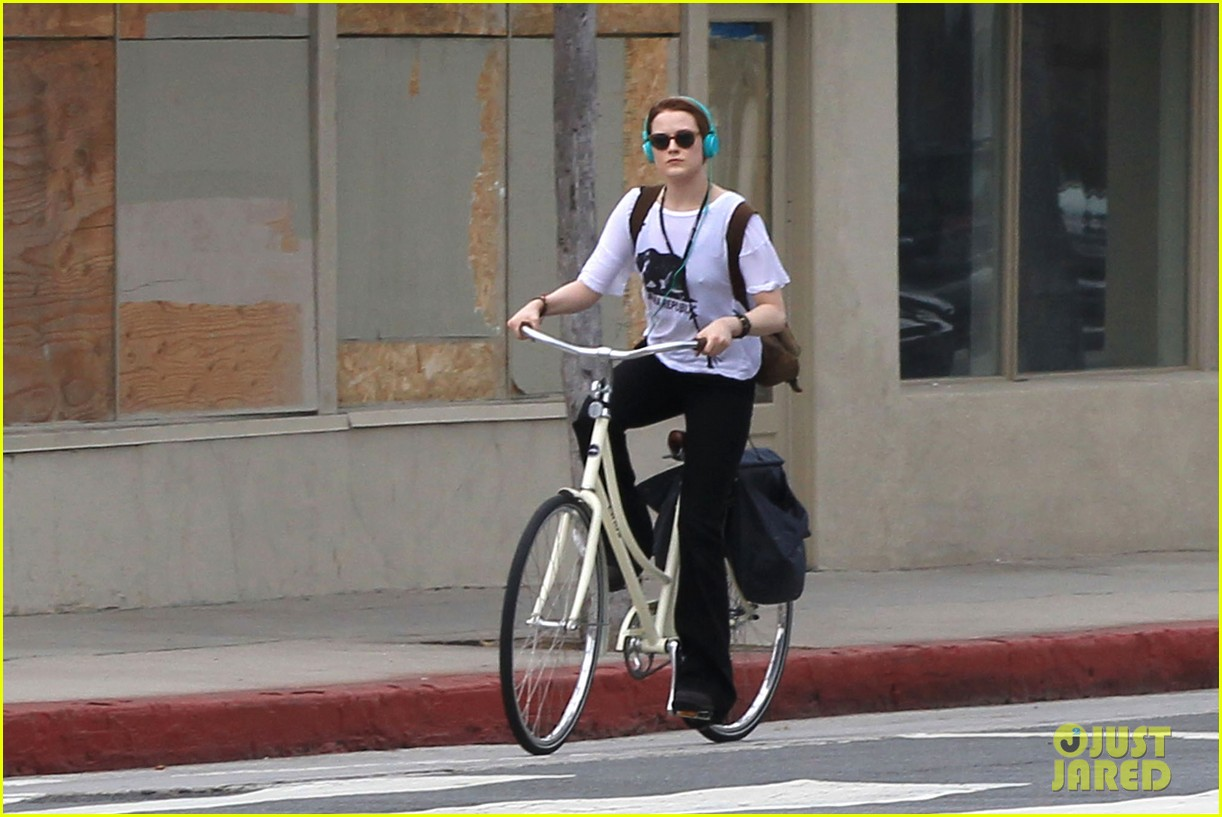 evan rachel wood biking jamie bell 16