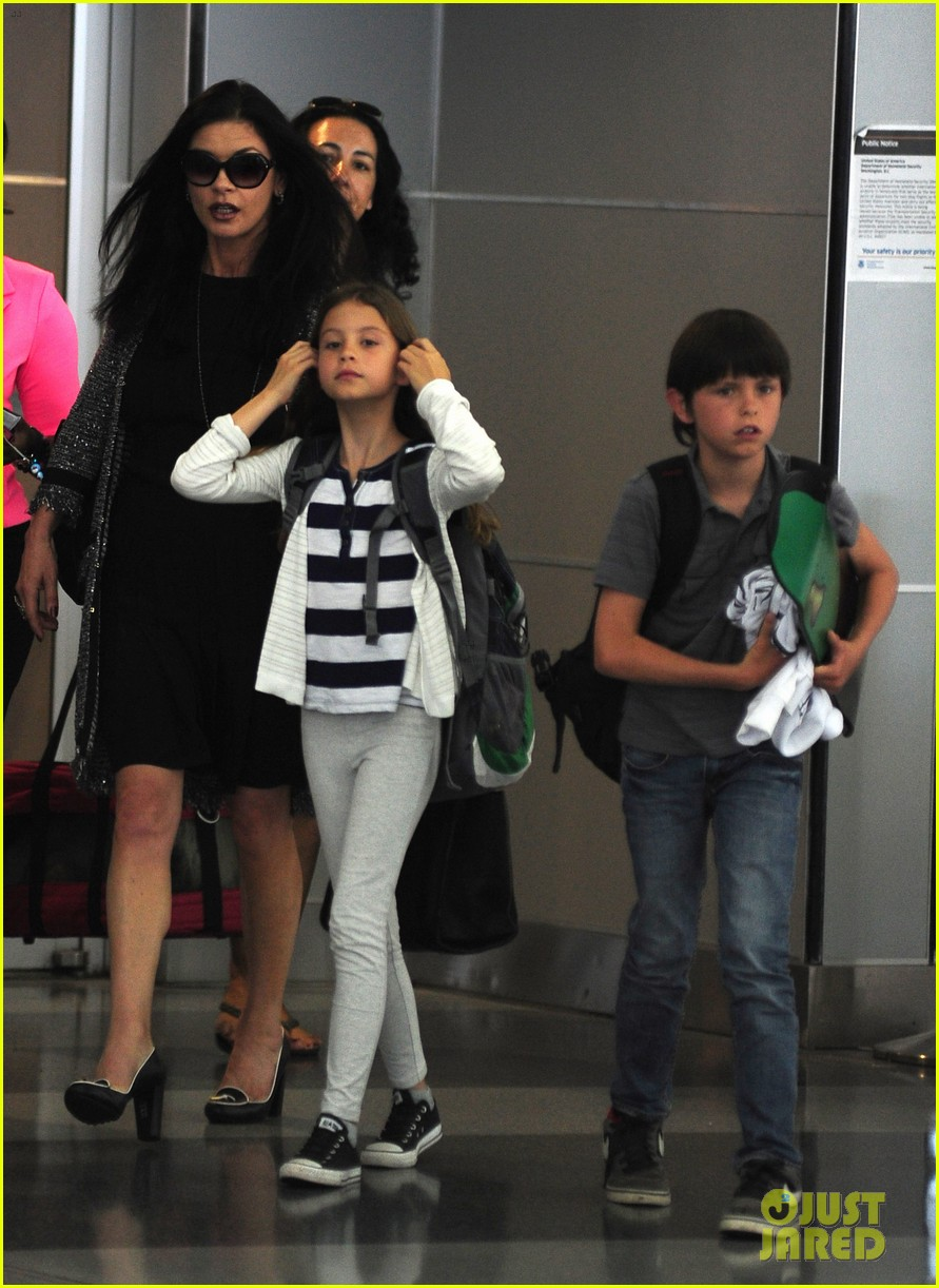 catherine zeta jones new york arrival with carys dylan 03