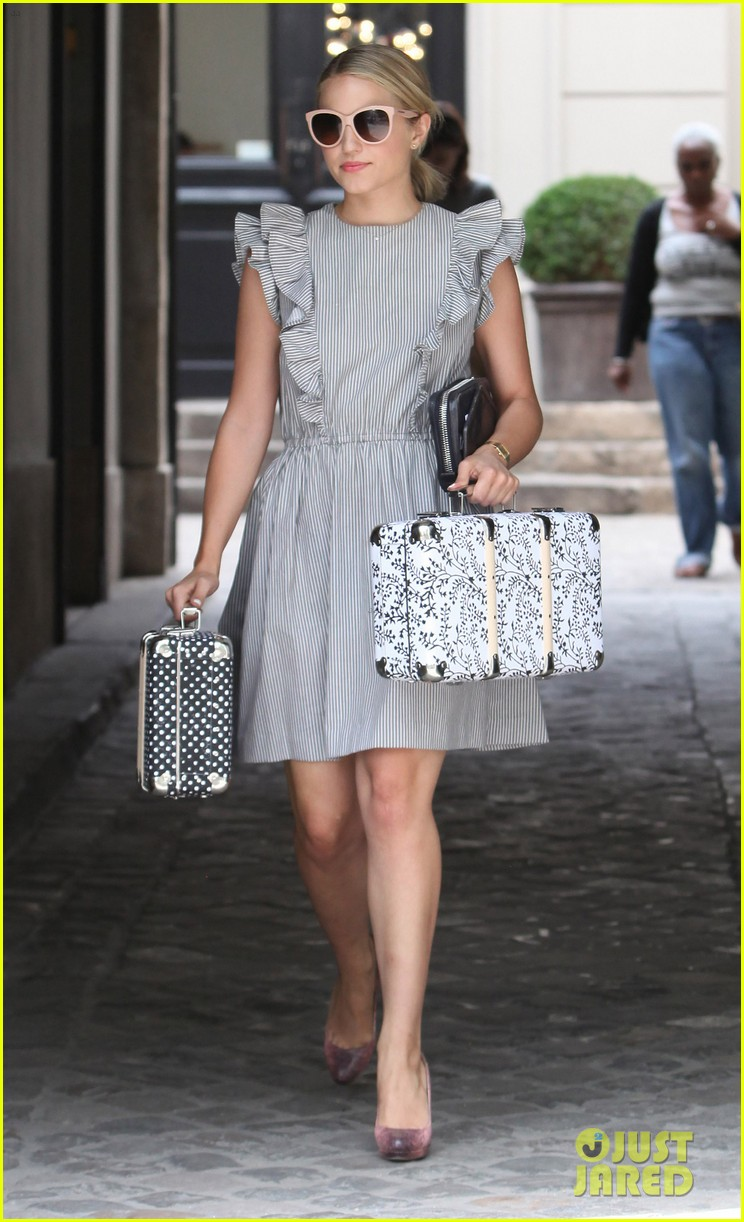 dianna agron parisian shopping 06