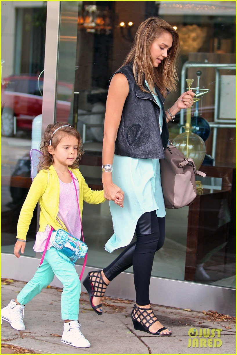 jessica alba lunch with honor 20