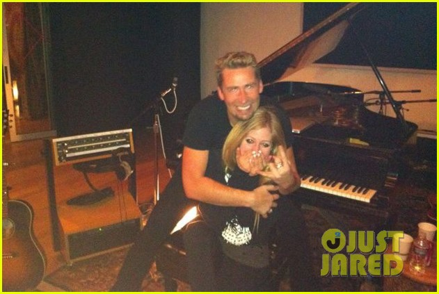 avril lavigne engaged chad kroeger 032706204