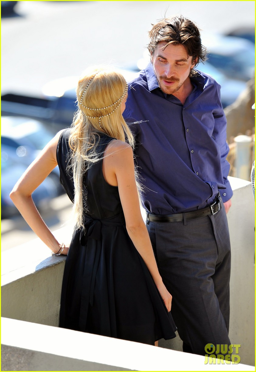 christian bale isabel lucas knight of cups 01
