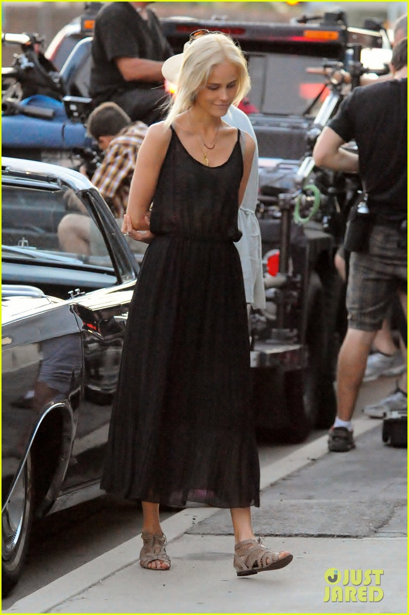christian bale isabel lucas knight of cups 062700200