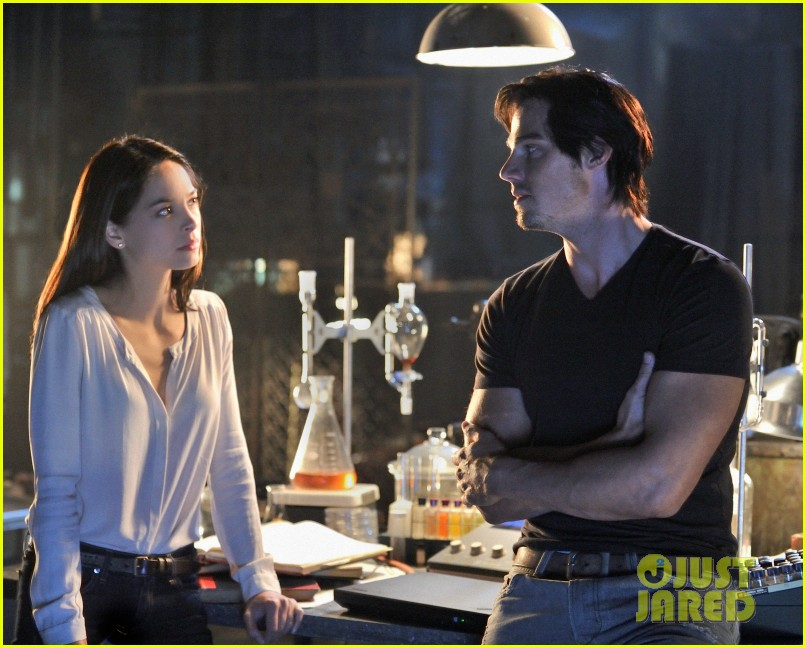 kristin kreuk jay ryan beauty and the beast stills 01
