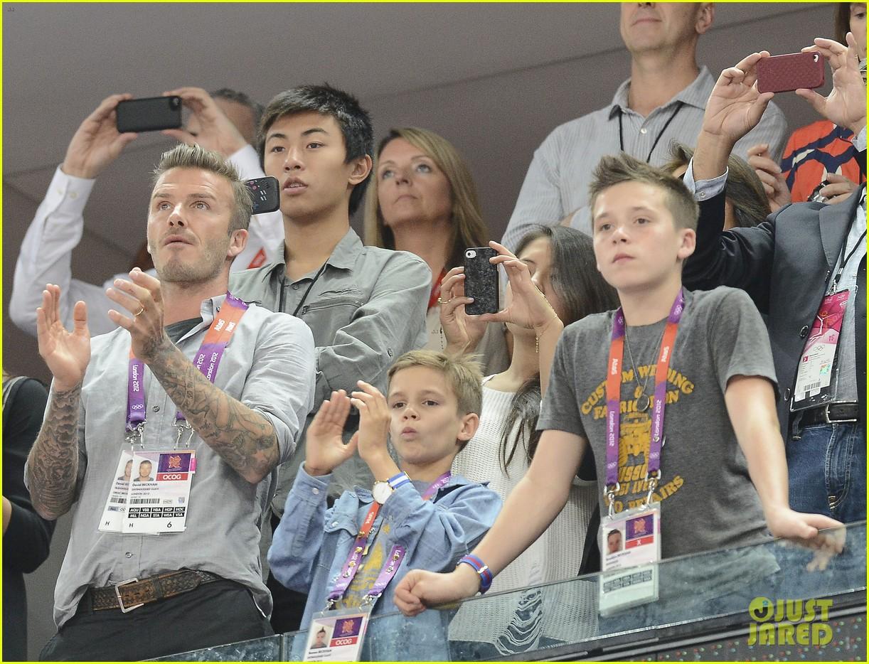 david beckham olympics celebration with tom daley 022701266