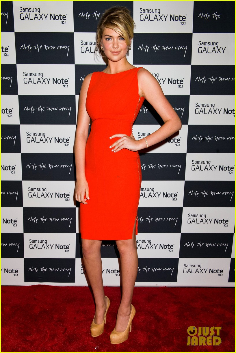 camilla belle kate upton samsung galaxy note 10.1 launch 25