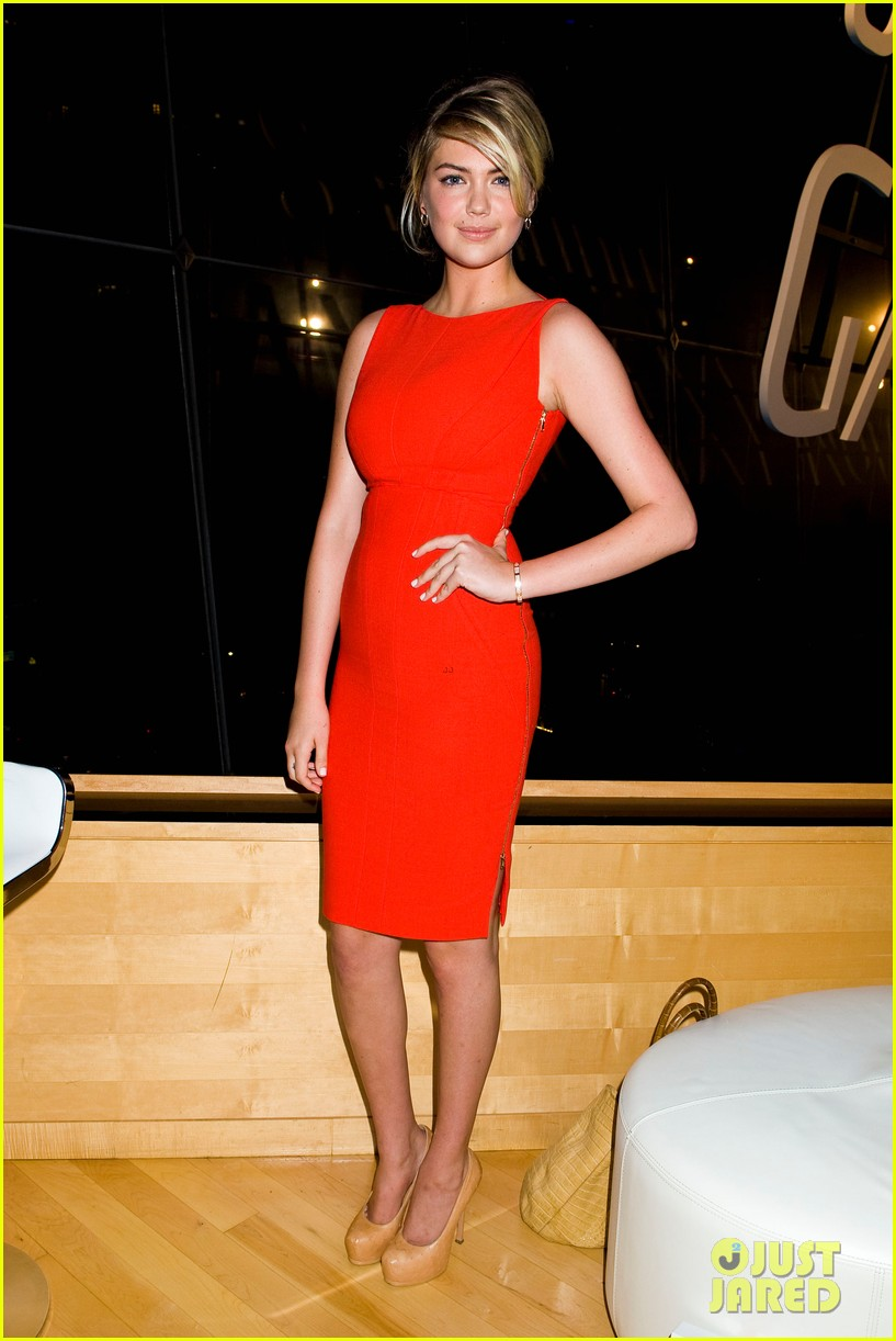 camilla belle kate upton samsung galaxy note 10.1 launch 35