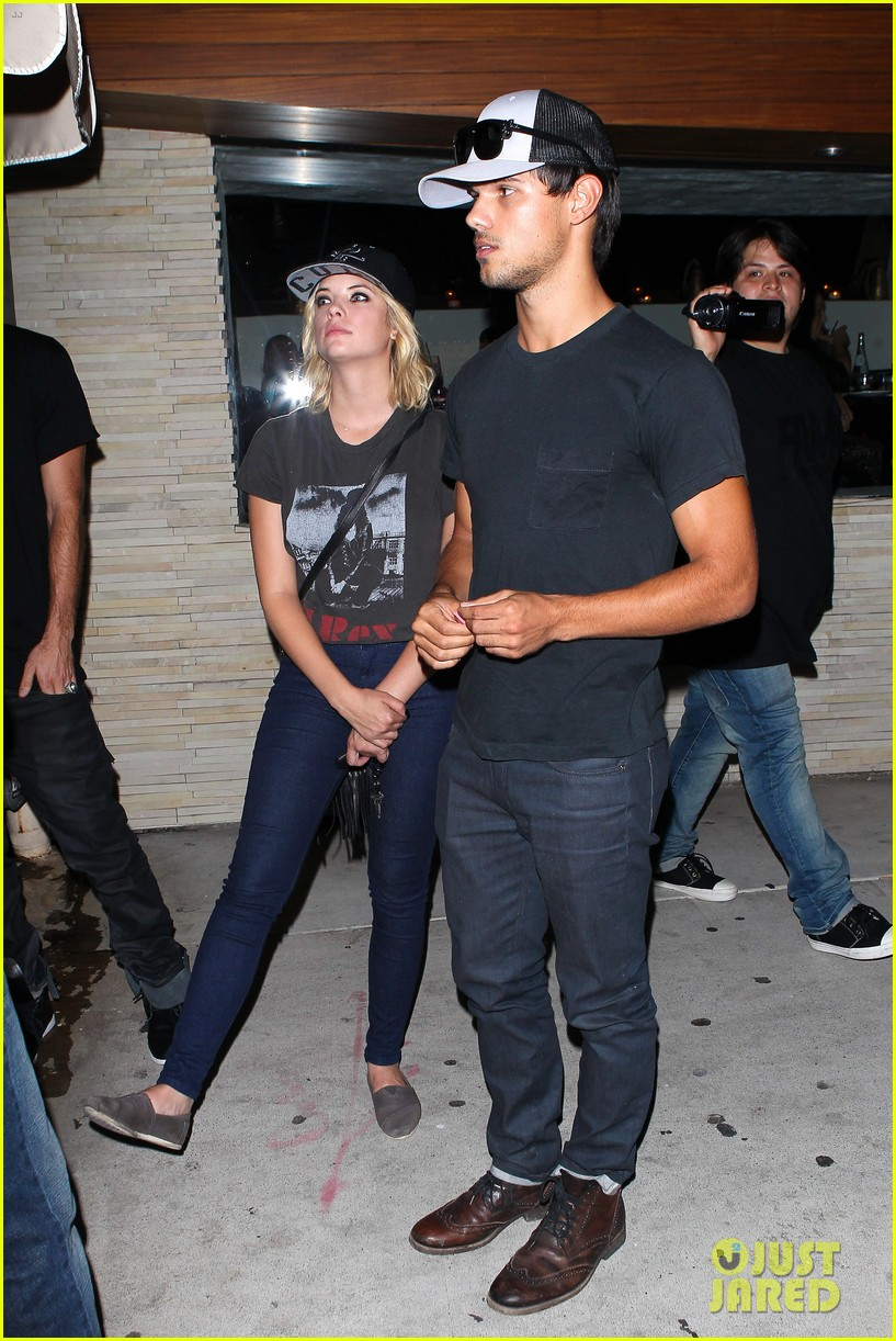 taylor-lautner-ashley-benson-red-o-dinner-duo-01.jpg
