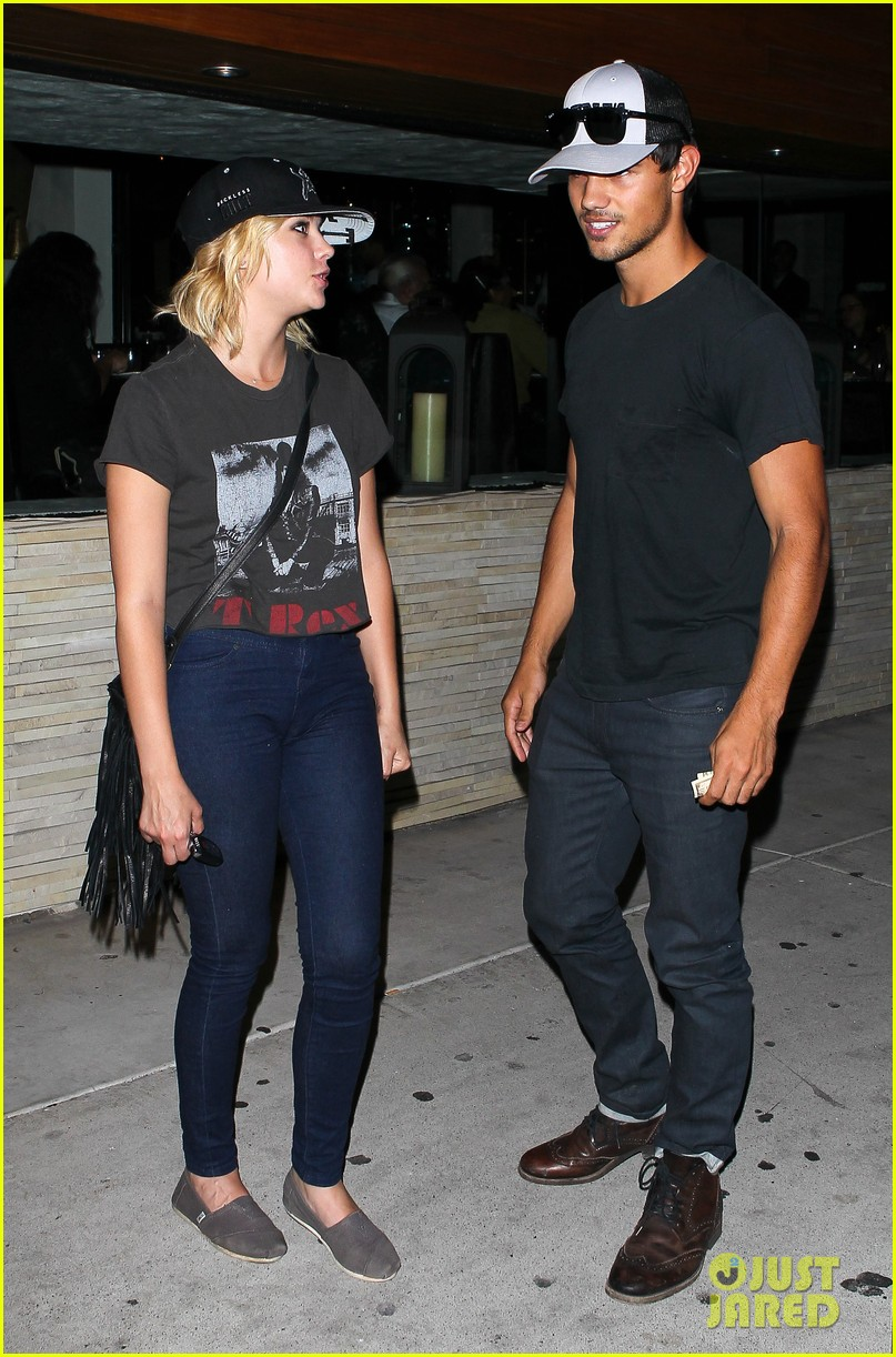 taylor lautner ashley benson red o dinner duo 08