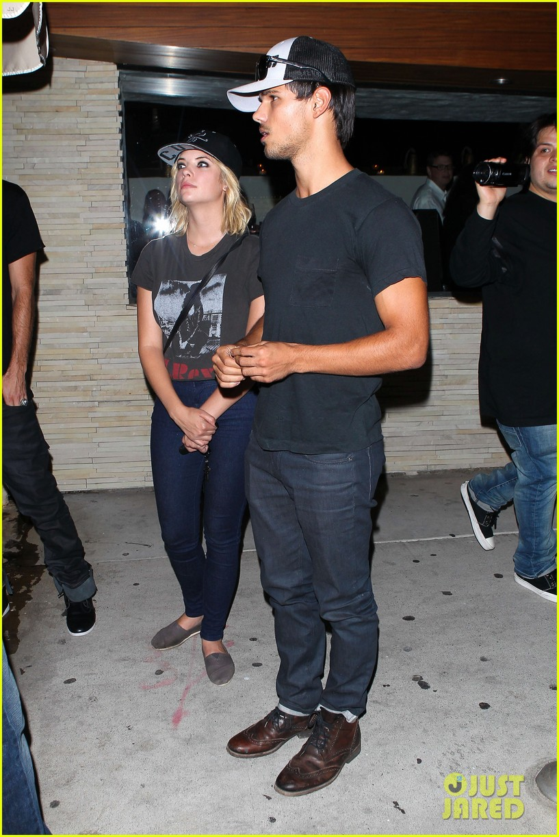 taylor lautner ashley benson red o dinner duo 15