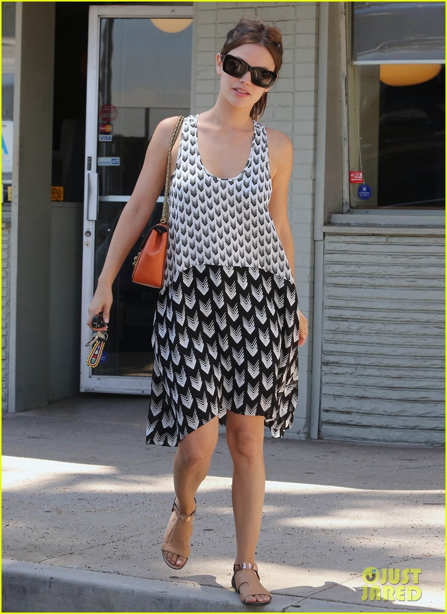 rachel bilson lunch with gal pal 12