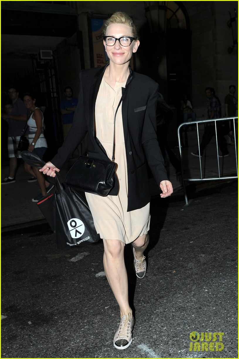 cate blanchett ends uncle vanya jets out of nyc 03