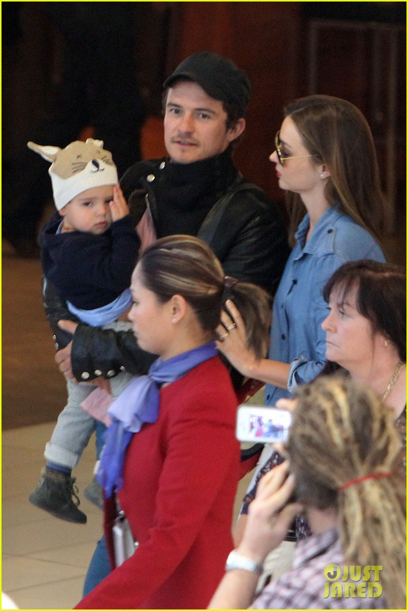 miranda kerr orlando bloom sydney arrival with flynn 062698085