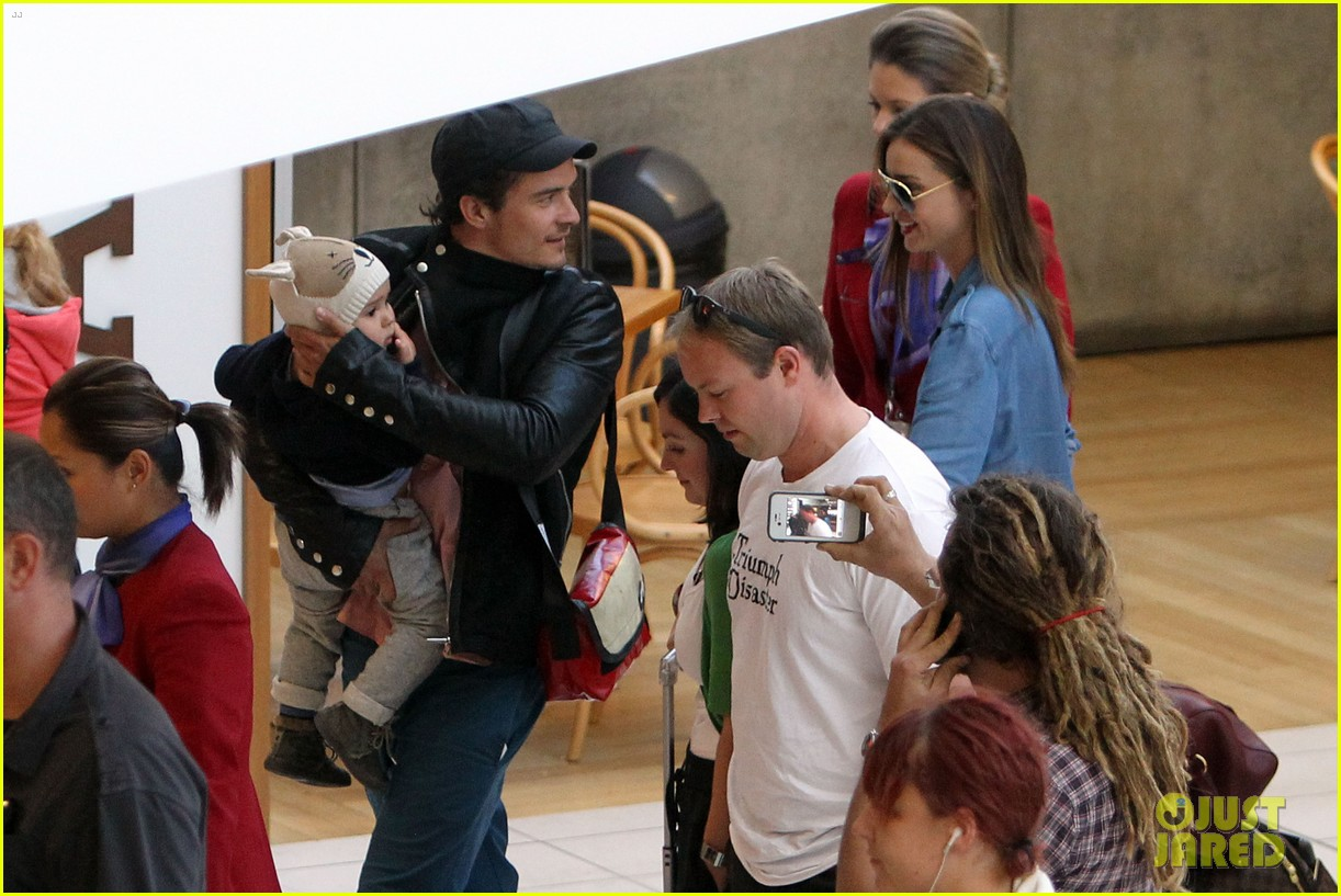 miranda kerr orlando bloom sydney arrival with flynn 182698097