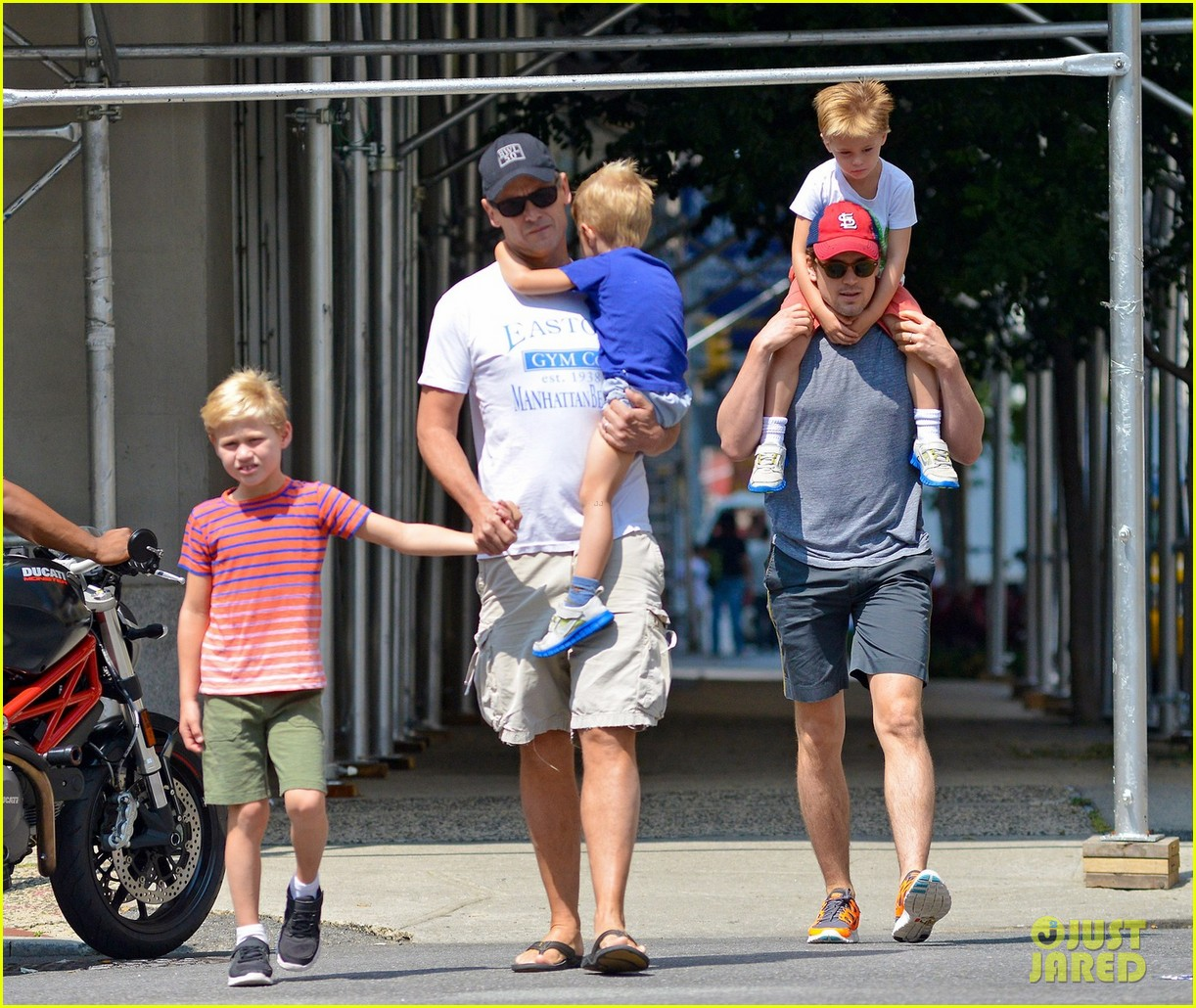 matt bomer family stroll 05