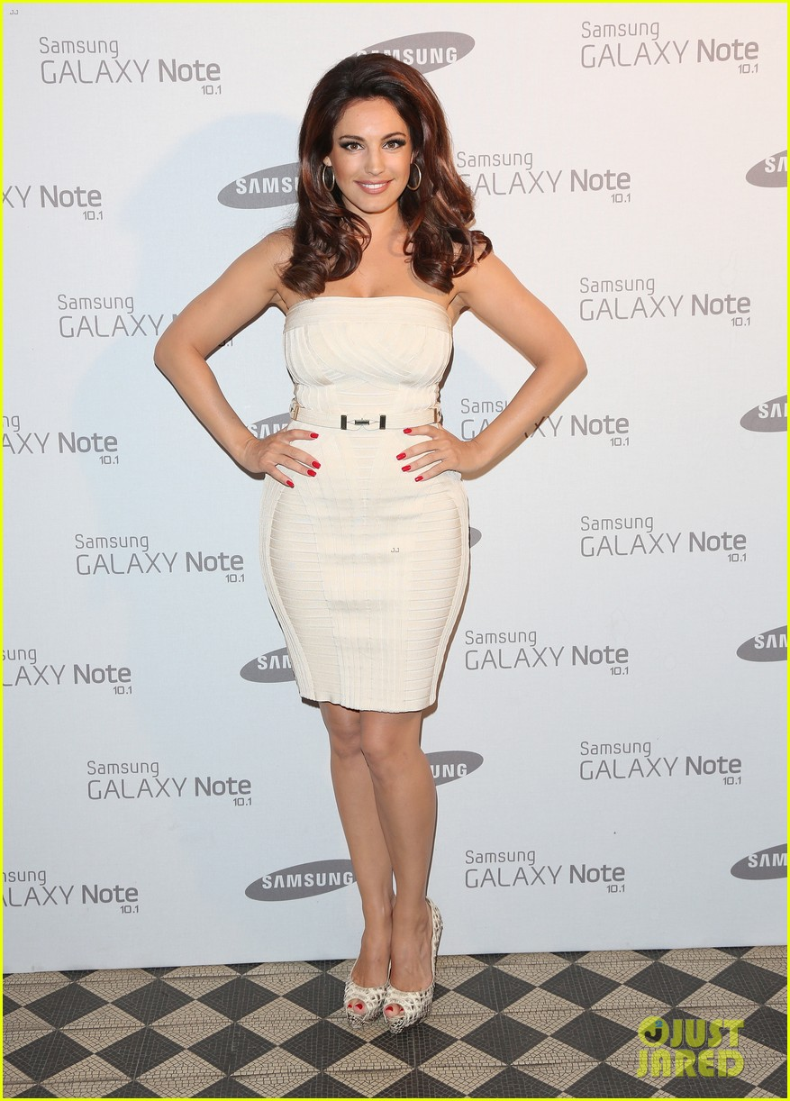 kelly brook irina shayk samsung launch in london 032702793