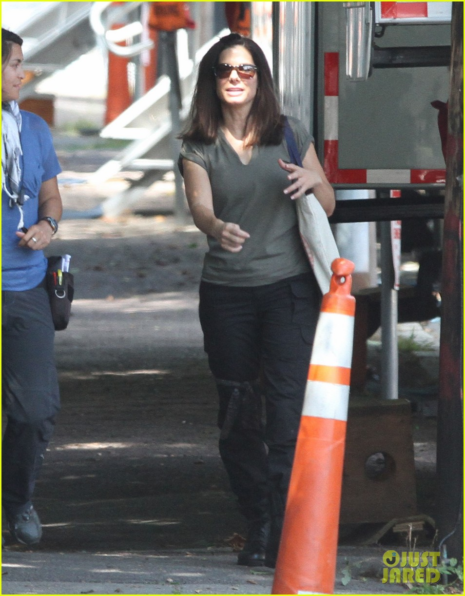 sandra bullock the heat set break 022701877