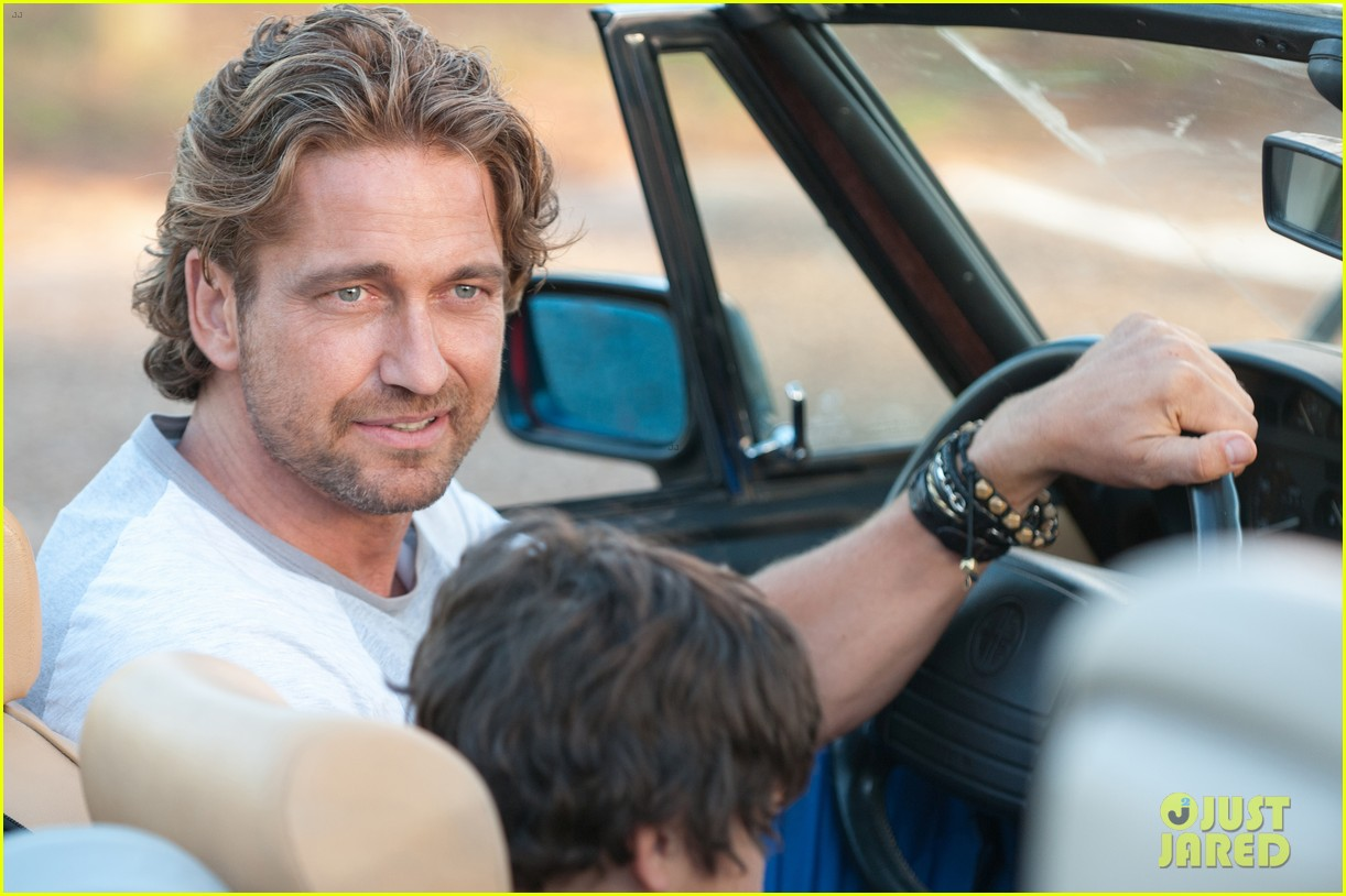gerard butler playing for keeps trailer poster stills 04