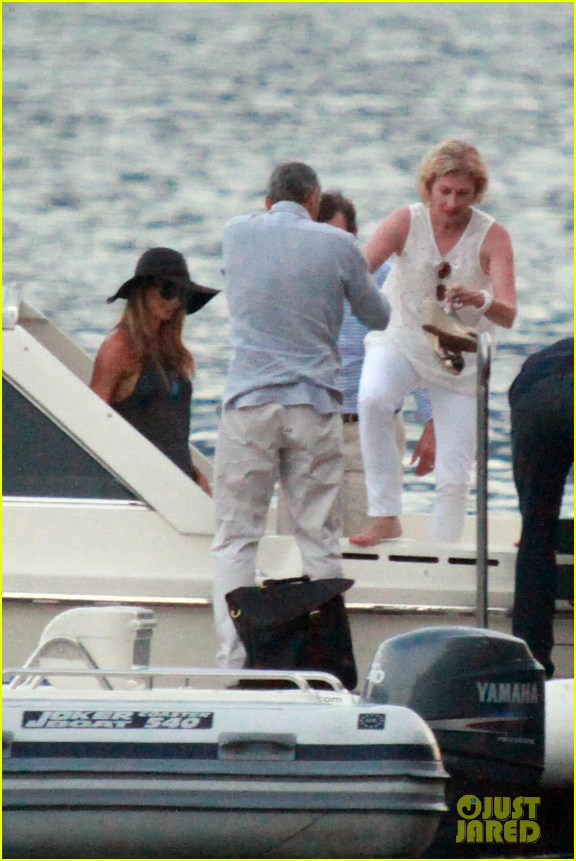 george clooney stacy keibler lake como boat ride 10